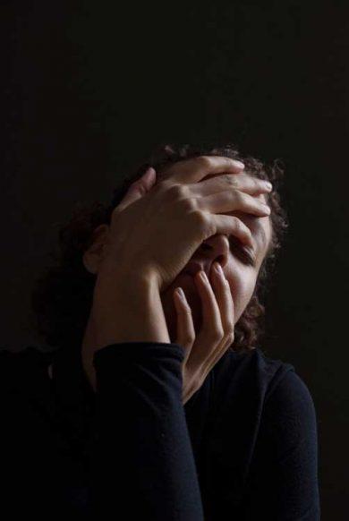 no-FEAR-negotiations-part-vi-No-Reactivity-woman-holding-face