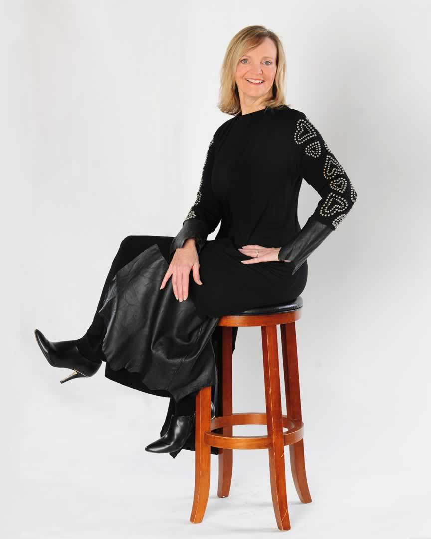 cindy-watson-coach-facilitator-author-black-dress-hearts