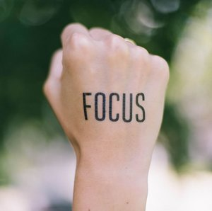 focus-coaching-chase-clark-734434-unsplash